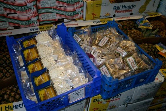 03 19 08 Bradford wholesale market 012
